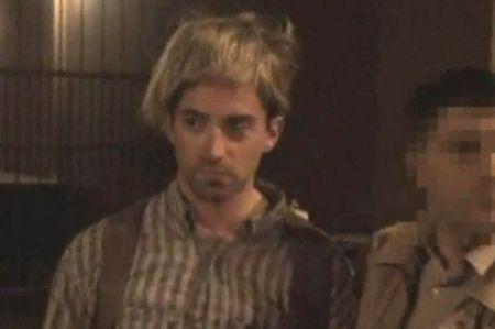 Ryan-Fogle-wears-a-blond-wig (1)